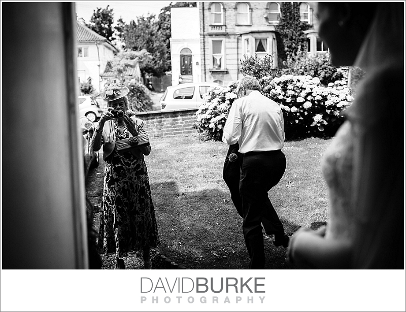pashley-manor-wedding-photographer (19)