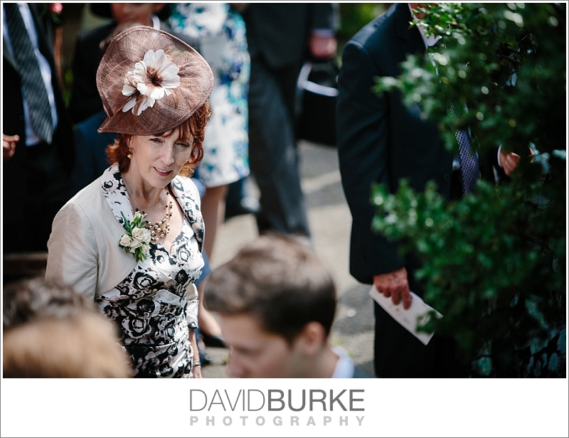 pashley-manor-wedding-photographer (02)