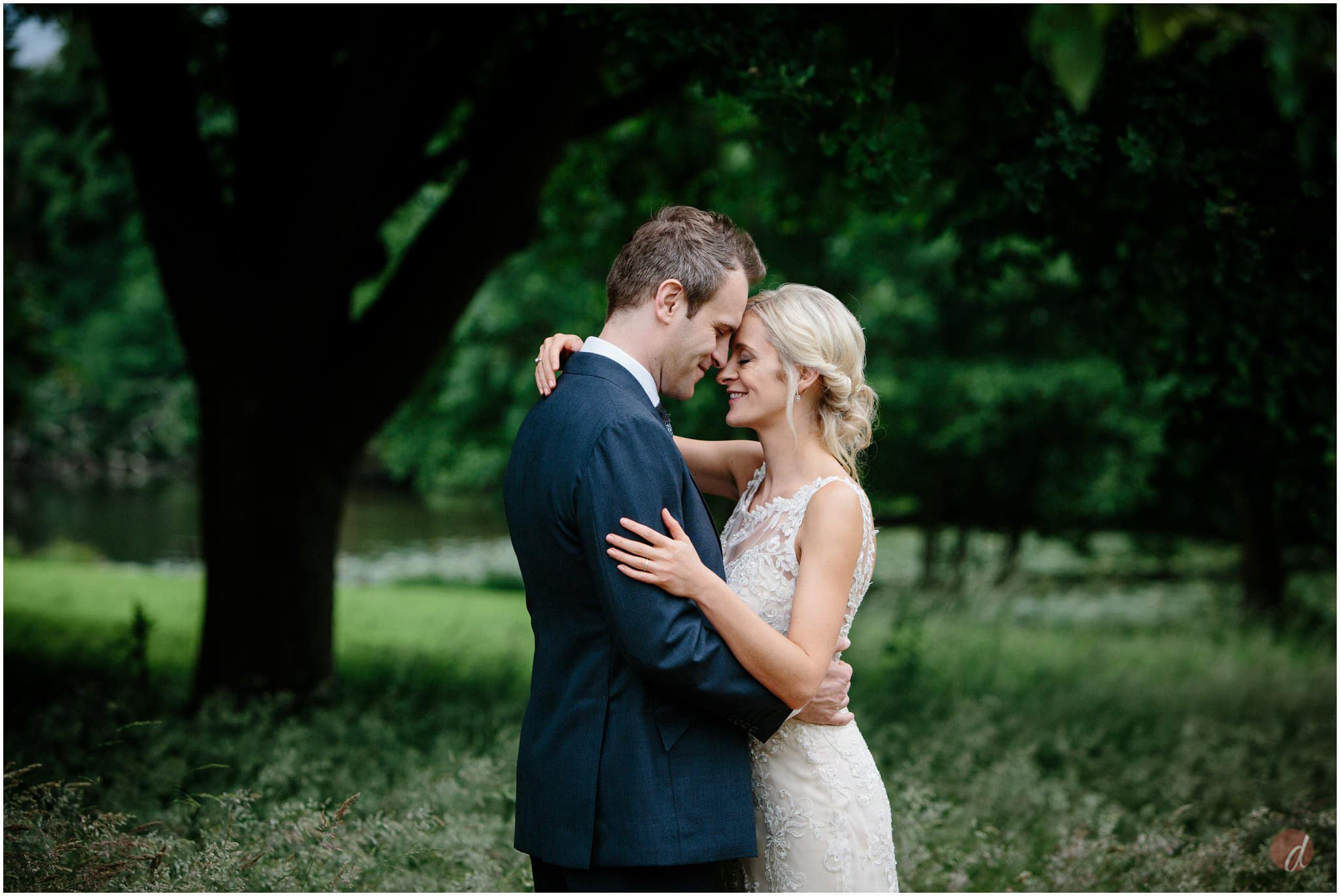 chiddingstone castle wedding photographer