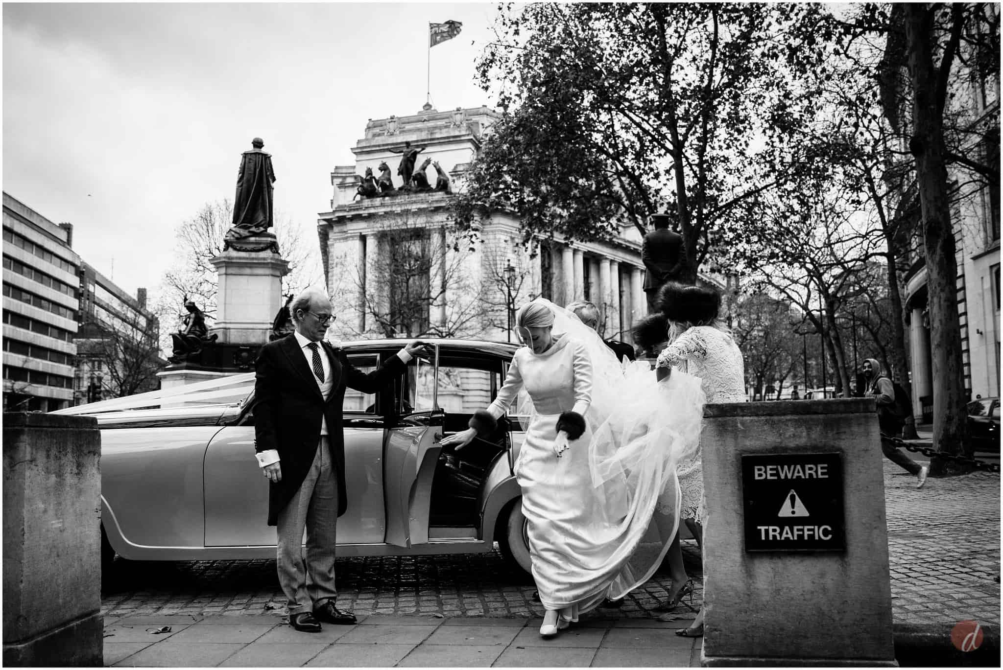 st clement danes wedding photographer