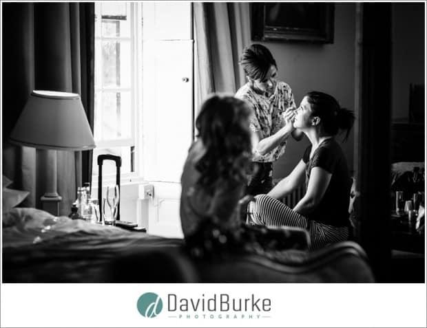 bride makeup with daughter watching