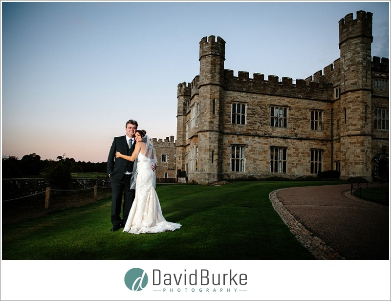 wedding couple outside leeds castle