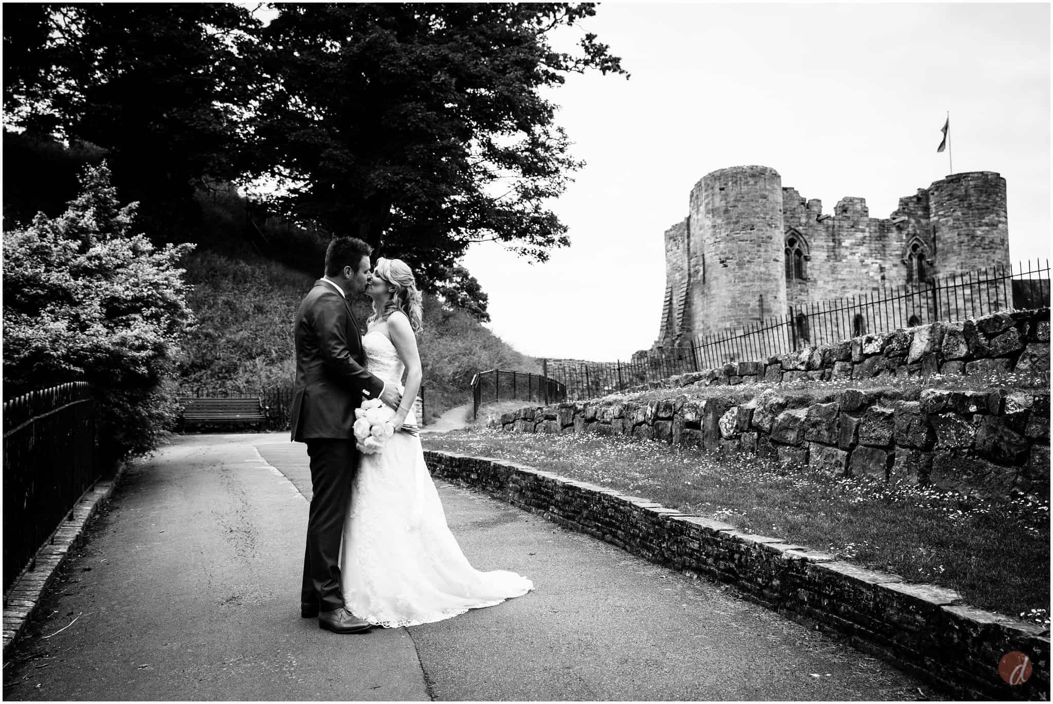 tonbridge castle wedding photographs