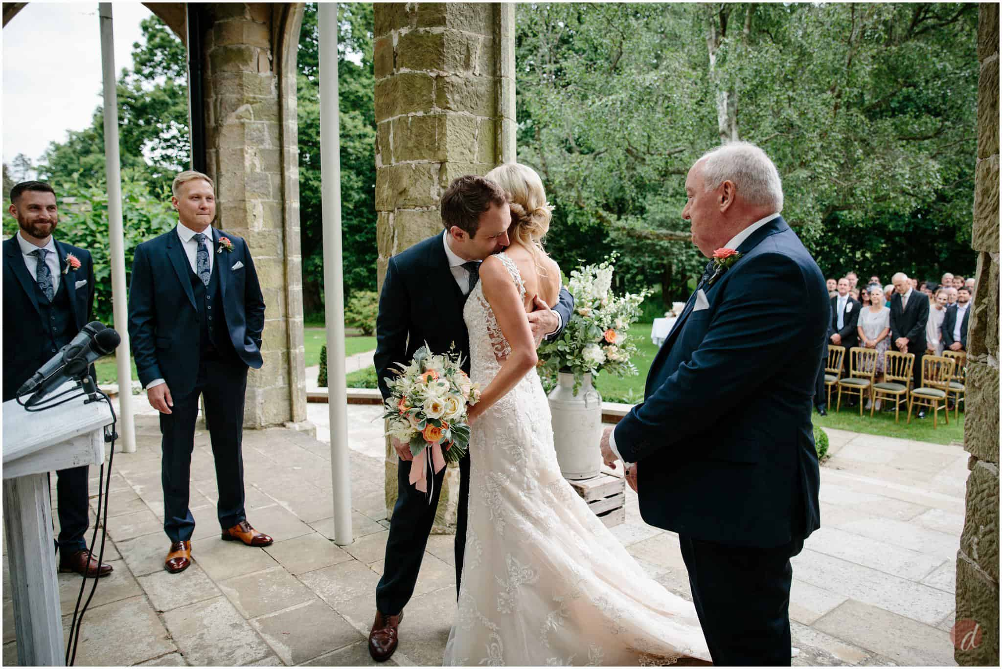chiddingstone castle outdoor wedding