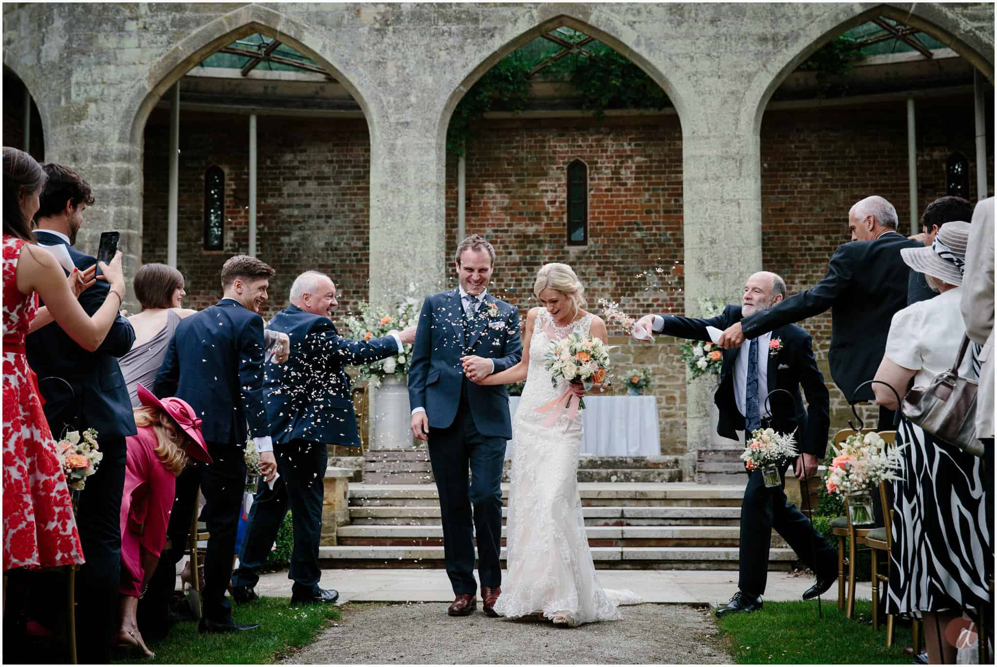 chiddingstone castle confetti