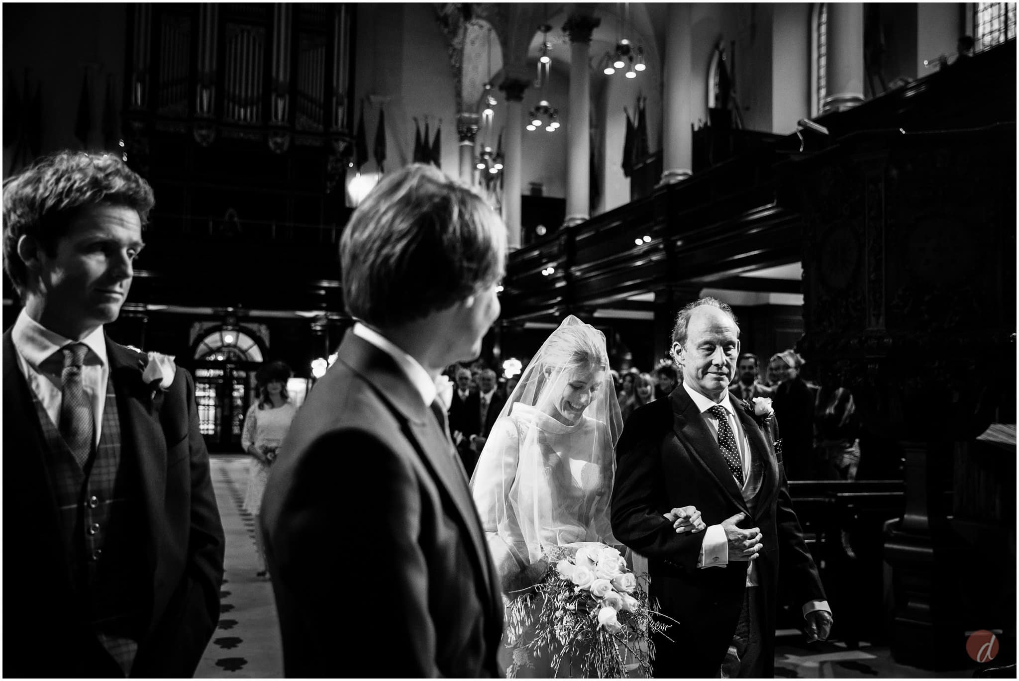 st clement danes wedding photographs