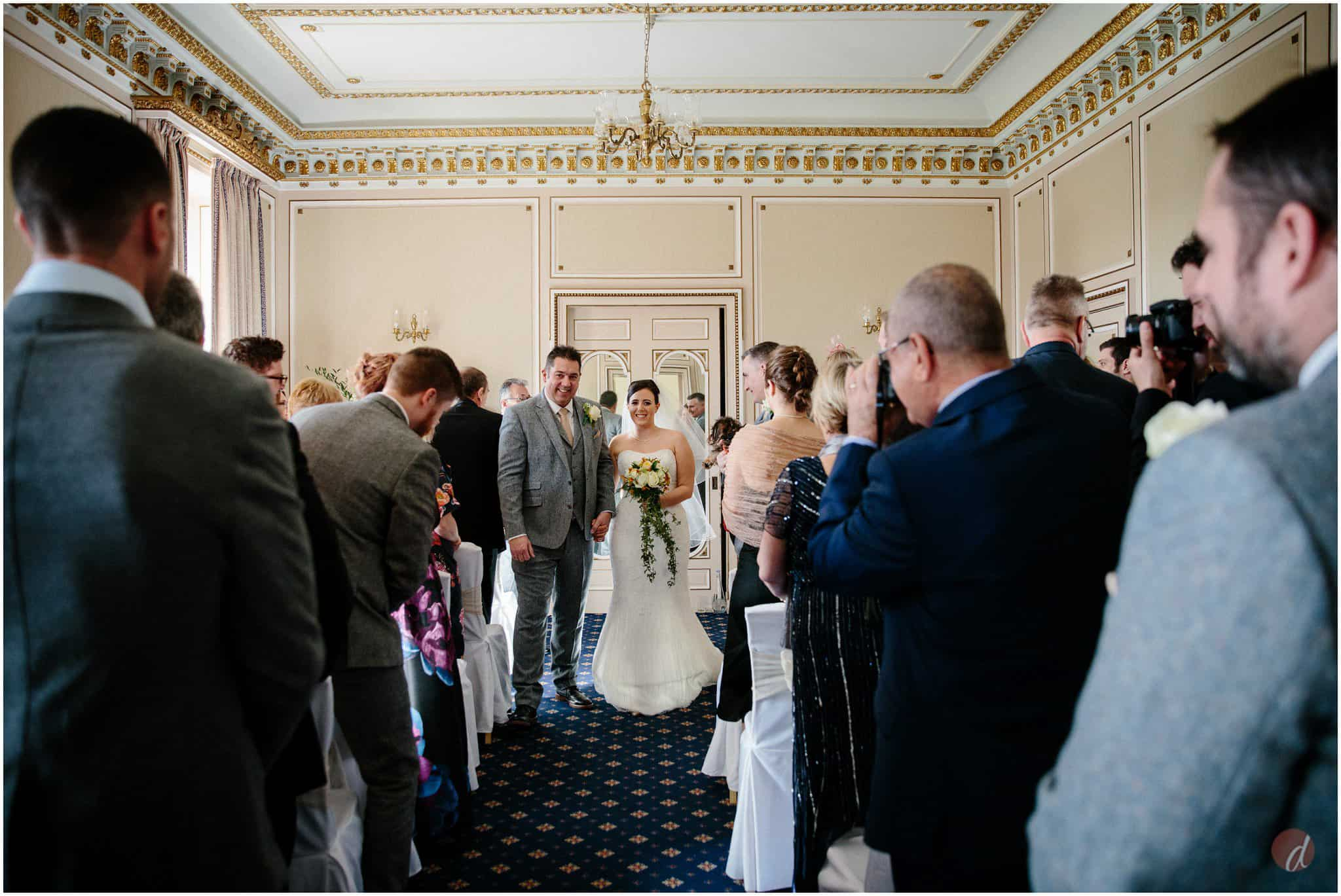gold room wedding at salomons