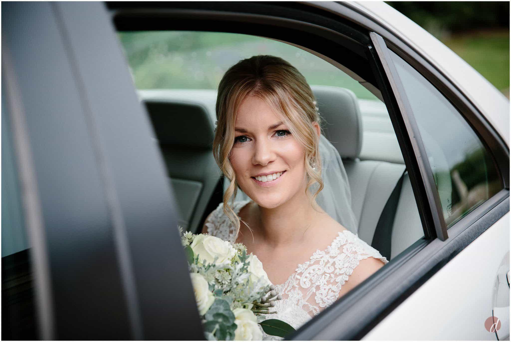 bride arrives at carriage hall plumbtree