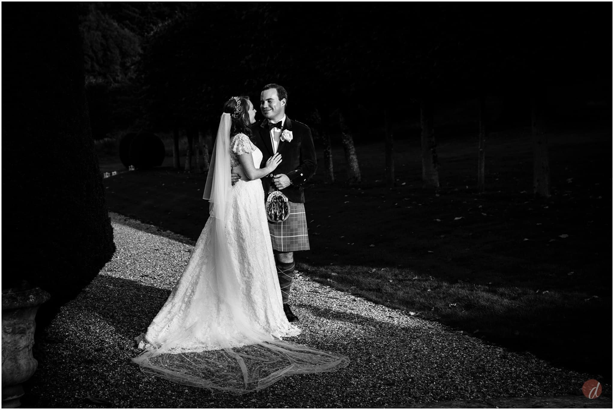 squerryes court wedding photographers